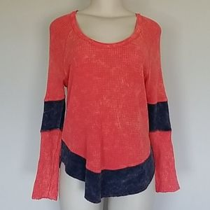 We The Free red/blue thermal style top-PS